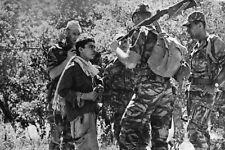 Guerre d'Algérie - Les Paras interrogent un suspect en Kabylie