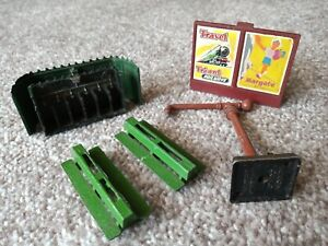 Triang , Hornby dublo station accessories ,