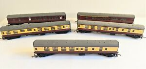 Job lot of 5 Tri-ang Model Railway carriages. - Thames Hospice