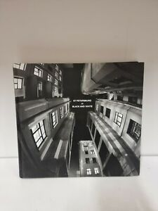 St Petersburg In Black And White,  Hardback,  State Russian Museum Book (K2)