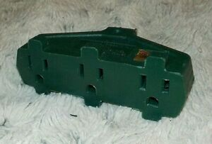 Litesun Current Tap, Model LT-1, 125 V, 60 HZ, 3 outlets, green