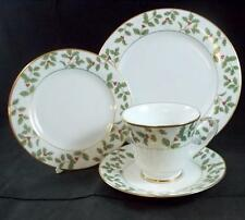Noritake HOLLY & BERRY GOLD Dessert Set 4173 EXCELLENT CONDITION