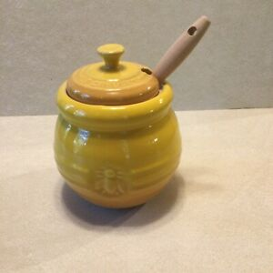"""Le Creuset Honey Pot or Honey Jar 4.5"""" Yellow Beehive With Wooden Dipper"""