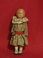 Ancienne petite poupée miniature en celluloid