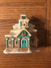 "Village Christmas Ornament ""lightup�"