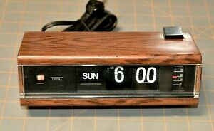 Vintage Copal Flip Clock Alarm Made in Japan Model 229 Faux Wood Days Works