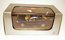 Vw passat b5 GP/type 3bg 2000-2005 limousine saloon Bleu Blue schuco 1:43 en boîte