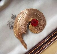 ANTIQUE ART DECO Ruby Crystal Rhinestone Lge Plume Feather Vintage BROOCH C Clsp