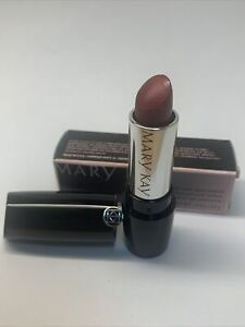 Mary Kay Gel Semi-Shine Lipstick. SCARLET RED NEW IN BOX FAST FREE SHIPPING