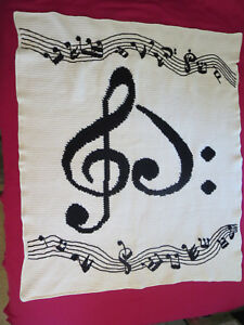 HANDMADE Crochet AFGHAN Knit SHEET MUSIC NOTES Quilt COUCH Lap BED BLANKET Throw