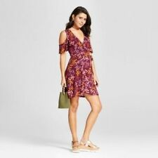 NEW Xhilaration Women's Bell Sleeve Shift Dress Berry Junior Floral Size:L