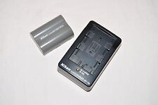 Genuine Nikon SLR D80 D90 D200 D300 D700 Charger and Battery MH-18a / EN-EL3e
