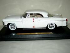 1956 CHRYSLER 300B IN WHITE BY MAISTO IN 2001  1:18SC. MIB