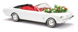 Busch 47527 H0 Ford MUSTANG Cabriolet, Mariage Avec Guirlandes # Neuf Dans Ovp #
