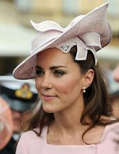 Catherine, Duchess of Cambridge UNSIGNED photo - H5964