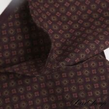 NWOT Made in Italy 100% Wool Cranbery Challis Medallion Mosaic Pocket Square NR
