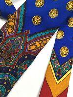 GIANNI VERSACE VINTAGE '90s V-MOTIF MEDUSA ARABESQUE TIE ROYAL BLUE RED ITALY