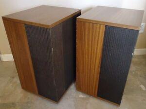 Bose 501 Series IV Speakers , See the Video !