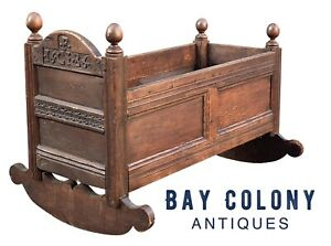 17TH C ANTIQUE WILLIAM & MARY PANELED OAK CARVED CRADLE ~ PLYMOUTH COLONY 1686