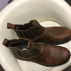 Lovely Pair Of Mens Brown Leather Skechers Slip On Boots Size 11 (46)