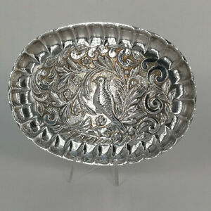 Small Oval Silver Small Bowl with Bird Decor IN Repousse-Technik