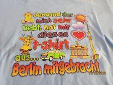 """T-Shirt Gr.122/128 hellbau mit Spruch """" Jemand der mich sehr mag.....Berlin neu"""