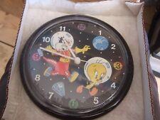 VINTAGE LOONEY TUNES   Wall Clock  BRAND NEW OLD STOCK DISNEY