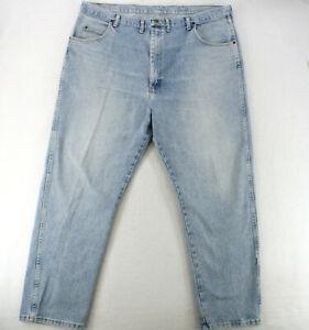WRANGLER RUGGED WEAR Straight Leg Light Wash Denim Blue Jeans Men's 44 x 32