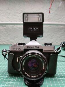FUJICA ST605 Spiegelreflexkamera Objektiv (55mm) und Soligor MK-17 Blitz