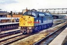 PHOTO  1980 CLASS 40 AT DONCASTER RAILWAY STATION ENGLISH ELECTRIC CLASS 40 DIES