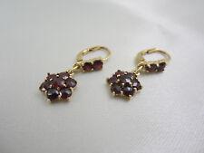 Aparte Ohrringe aus Gold 585 mit Granat