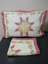 PAIR OF COTTON QUILTED STANDARD SHAMS PATCHWORK FLORAL WHITE RED GINGHAM BORDER