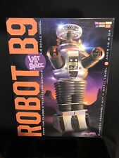 Moebius Lost In Space Robot B9 Model Kit-Nib-1:6 Scale
