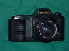 fotocamera 35 mm Canon T50 con obiettivo canon FD 50 1:1,8