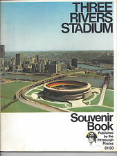 1970 THREE RIVERS STADIUM SOUVENIR BOOK - PITTSBURGH PIRATES