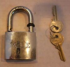 Silver Yale Italy Size Lock with 2 Working Keys In Excellent Condition