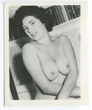 Girl Next Door Amazing Bust Cleavage Stacked 1950 Original Nude Photo  B5879