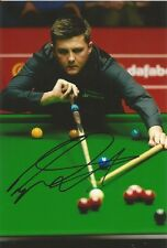 (5) A 6 x 4 inch photo. Personally signed by Snooker player Ryan Day.
