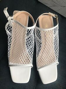 Chase And Chloe Women's White Mesh Sandals Sz8 M NEW