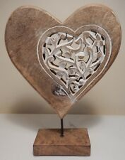 RUSTIC STYLE MANGO WOOD CARVED HEART ON A STAND FREESTANDING ORNAMENT DECORATIVE