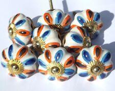 8x Blanco Flor con azul y naranja Pétalos Cerámica pomos (latón montaje)