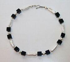Kette weiße schwarz Unyx Würfel echte Perlen Biwa Verschluss 42 cm