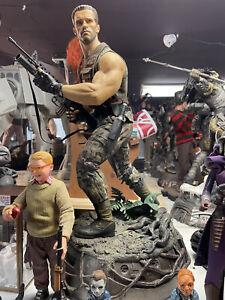 Sideshow ARNOLD DUTCH Premium Format Statue Predator Alien Sold Out Rare piece
