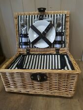 Luxury 2 person picnic hamper basket with Cooler-Cutlery-Real China Plates