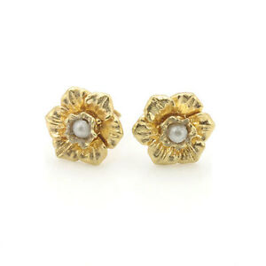 9ct Rose Gold Welsh Design Daffodil Shaped Stud Earrings set with Pearls