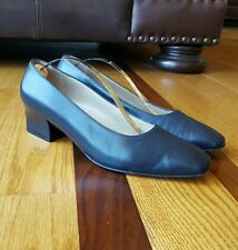 Salvatore Ferragamo Womans Navy Blue Leather Pumps Low Heels Shoes 8.5 B Italy