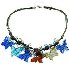 Collier ras de cou perles facettes et papillons – transparent bleu et marron