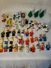28 Lego Minifigures and accessories
