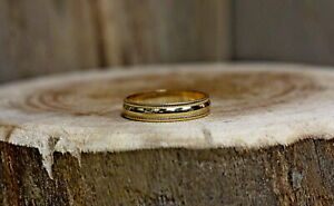 10Kt Yellow Gold Band Ring Size 8 !