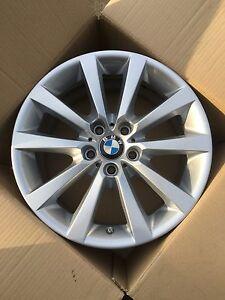 Original BMW 5er F10 F11 6er F12 F13 F06 18 Zoll V Speiche 328 Alufelge 6790173